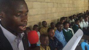 """Adopcja Serca - świadectwo z Afryki.Eric czyta wiersz """"Drogi Rodzicu"""""""