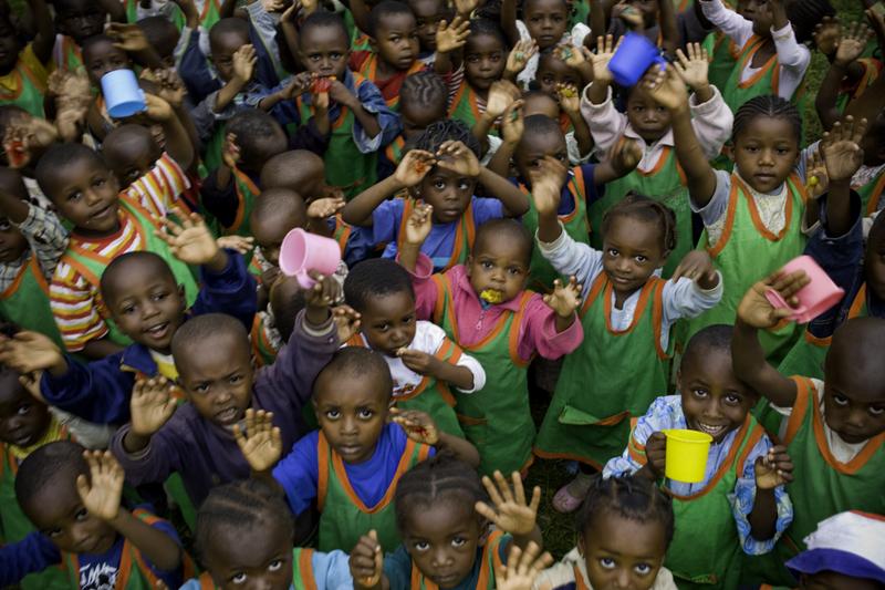 Dożywianie dzieci z Katolickiego Przedszkola im. św. Jakuba w Dimako (61/KARML)