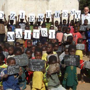 Pomoc dla szkoły w Ndim (Projekt 7/RCA)