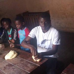 Koronawirus w Afryce: dożywianie sierot w Lubumbashi (02/PARAK)