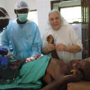 Pomoc chorym w Ndelele - leczenie grzybicy, łuszczycy i malarii mózgowej (97/PASJO)