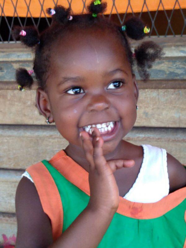 Pomoc głodnym dzieciom - dożywianie w przedszkolu w Dimako Ruch Maitri pomoc Afryce Adopcja Serca 01