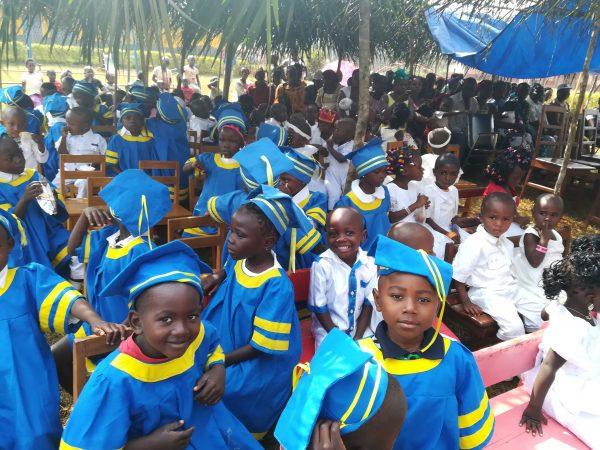 Dzień Dziecka w Afryce - pomóż uczniom z Abong-Mbang! pomoc Afryce Ruch Maitri Adopcja Serca 01