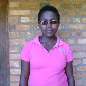 pomoc dla studentki z Buraniro Burundi Ruch Maitri Adopcja Serca 01