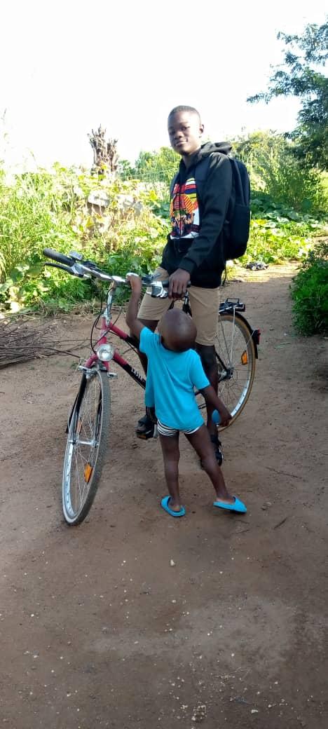 rower dla chłopca Adopcja Serca Ruch Maitri Pagouda Togo 01