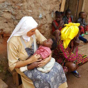 Zakup leków dla Ośrodka Zdrowia w Koudadeng w Kamerunie 01 pomoc Afryce Ruch Maitri Adopcja Serca 01