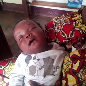 Walka z pandemią: zakup leków dla ośrodka zdrowia w Ndelele 01 pomoc Afryce Ruch Maitri
