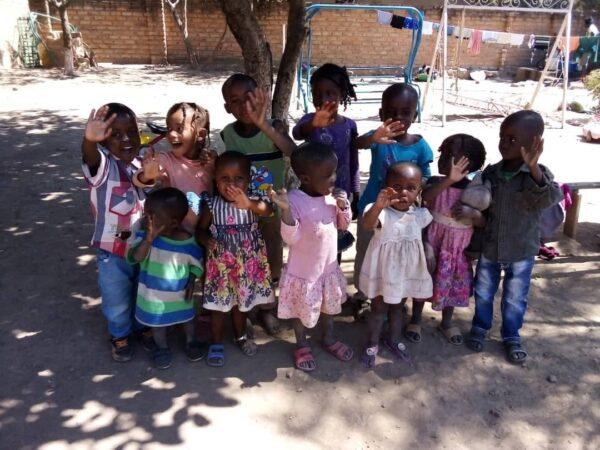 Dożywianie oraz środki higieny dla 36 dzieci z sierocińca w Lubumbashi Adopcja Serca Ruch Maitri 01