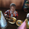 Święta Bożego Narodzenia i pielgrzymka dla 400 dzieci z Abong-Mbang Ruch Maitri pomoc Afryce Adopcja Serca 01
